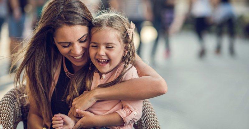 Festa della Mamma 2017: 5 idee regalo per dirle quanto è speciale!